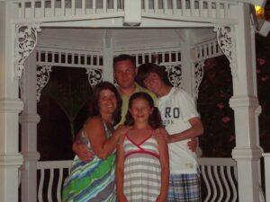 Andrew Iannuzzi family 69 KB